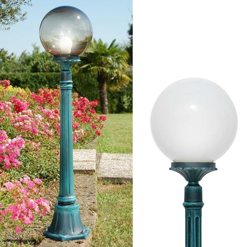 Dione lanterne pieu jardin ext rieur clairage ext rieur for Eclairage exterieur jardin globe