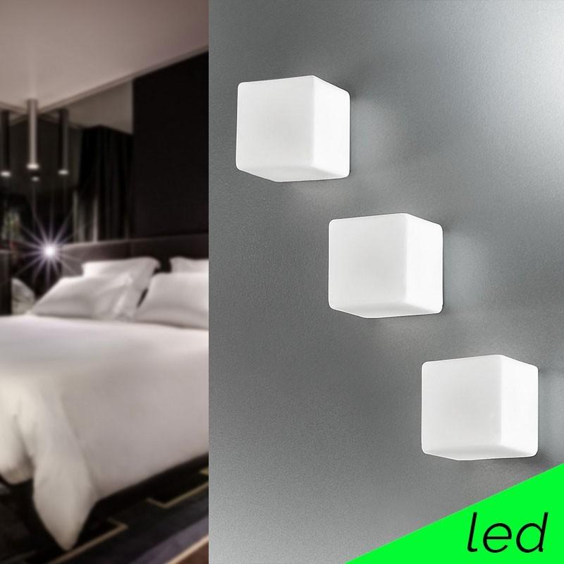 KREA KUBO Applique Cubetto LED in Vetro Soffiato L.11 Design Moderno