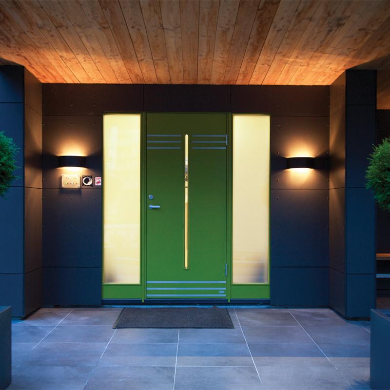 Illuminazione porta di ingresso all 39 esterno con luci di design for Illuminazione led casa esterno
